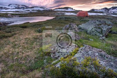 Постер Норвегия Hardangervidda Campside после ЗакатаНорвегия<br>Постер на холсте или бумаге. Любого нужного вам размера. В раме или без. Подвес в комплекте. Трехслойная надежная упаковка. Доставим в любую точку России. Вам осталось только повесить картину на стену!<br>