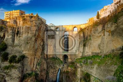 Постер Пейзаж горный Село Ronda в Андалусия, Испания.Пейзаж горный<br>Постер на холсте или бумаге. Любого нужного вам размера. В раме или без. Подвес в комплекте. Трехслойная надежная упаковка. Доставим в любую точку России. Вам осталось только повесить картину на стену!<br>