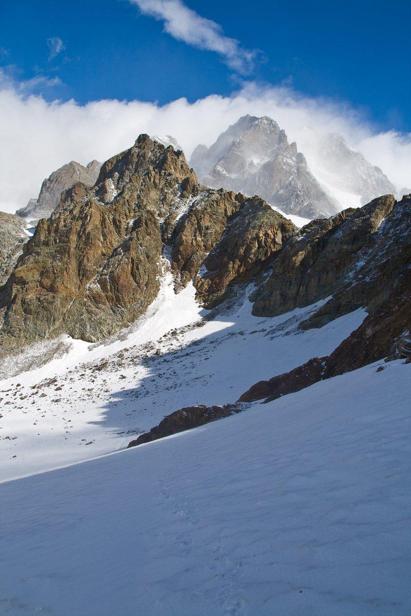 Постер Альпийский пейзаж Alpinismo sulle АЛПИ ReticheАльпийский пейзаж<br>Постер на холсте или бумаге. Любого нужного вам размера. В раме или без. Подвес в комплекте. Трехслойная надежная упаковка. Доставим в любую точку России. Вам осталось только повесить картину на стену!<br>