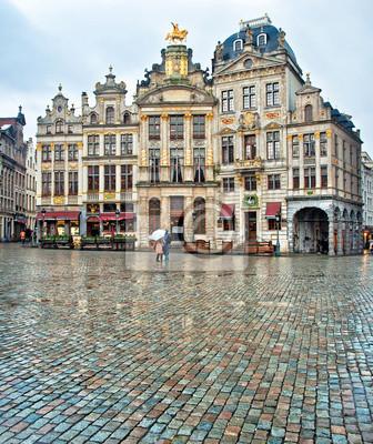 Постер Бельгия Grand Place или Grote Markt в Брюсселе. БельгияБельгия<br>Постер на холсте или бумаге. Любого нужного вам размера. В раме или без. Подвес в комплекте. Трехслойная надежная упаковка. Доставим в любую точку России. Вам осталось только повесить картину на стену!<br>