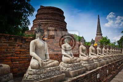 Постер Таиланд Древний Будда в аюттхае провинции ТаиландаТаиланд<br>Постер на холсте или бумаге. Любого нужного вам размера. В раме или без. Подвес в комплекте. Трехслойная надежная упаковка. Доставим в любую точку России. Вам осталось только повесить картину на стену!<br>
