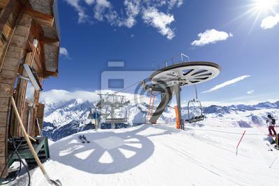 Постер Альпийский пейзаж Мотоцикл кресло-Лифт прибытия в альпийские горыАльпийский пейзаж<br>Постер на холсте или бумаге. Любого нужного вам размера. В раме или без. Подвес в комплекте. Трехслойная надежная упаковка. Доставим в любую точку России. Вам осталось только повесить картину на стену!<br>