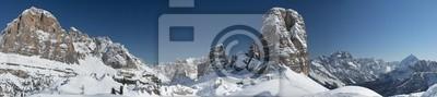 Постер Альпийский пейзаж Доломиты огромная панорама в зимнее время снегАльпийский пейзаж<br>Постер на холсте или бумаге. Любого нужного вам размера. В раме или без. Подвес в комплекте. Трехслойная надежная упаковка. Доставим в любую точку России. Вам осталось только повесить картину на стену!<br>