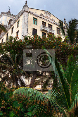 Постер Куба Старый отель с palmКуба<br>Постер на холсте или бумаге. Любого нужного вам размера. В раме или без. Подвес в комплекте. Трехслойная надежная упаковка. Доставим в любую точку России. Вам осталось только повесить картину на стену!<br>