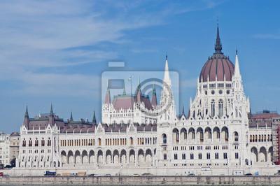 Постер Венгрия Здание парламента в Будапеште, ВенгрияВенгрия<br>Постер на холсте или бумаге. Любого нужного вам размера. В раме или без. Подвес в комплекте. Трехслойная надежная упаковка. Доставим в любую точку России. Вам осталось только повесить картину на стену!<br>