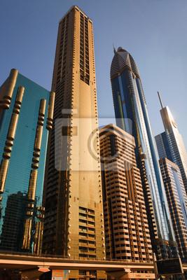 Постер ОАЭ ДУБАЙ, ОАЭ - 23 ОКТЯБРЯ: Вид на Sheikh Zayed Road небоскребов яОАЭ<br>Постер на холсте или бумаге. Любого нужного вам размера. В раме или без. Подвес в комплекте. Трехслойная надежная упаковка. Доставим в любую точку России. Вам осталось только повесить картину на стену!<br>