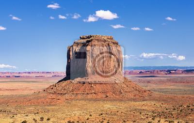 Постер Пейзаж песчаный Долина монументов скалыПейзаж песчаный<br>Постер на холсте или бумаге. Любого нужного вам размера. В раме или без. Подвес в комплекте. Трехслойная надежная упаковка. Доставим в любую точку России. Вам осталось только повесить картину на стену!<br>