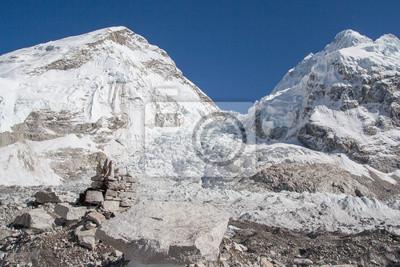 Постер Непал Everest BasislagerНепал<br>Постер на холсте или бумаге. Любого нужного вам размера. В раме или без. Подвес в комплекте. Трехслойная надежная упаковка. Доставим в любую точку России. Вам осталось только повесить картину на стену!<br>