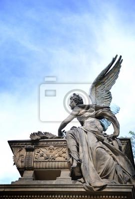 Постер Чехия Славин кладбище на Вышеграде, статуя АнгелаЧехия<br>Постер на холсте или бумаге. Любого нужного вам размера. В раме или без. Подвес в комплекте. Трехслойная надежная упаковка. Доставим в любую точку России. Вам осталось только повесить картину на стену!<br>