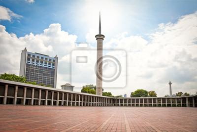 Постер Индонезия Istiqlal Мечеть, Мечеть в Джакарте. Индонезия.Индонезия<br>Постер на холсте или бумаге. Любого нужного вам размера. В раме или без. Подвес в комплекте. Трехслойная надежная упаковка. Доставим в любую точку России. Вам осталось только повесить картину на стену!<br>