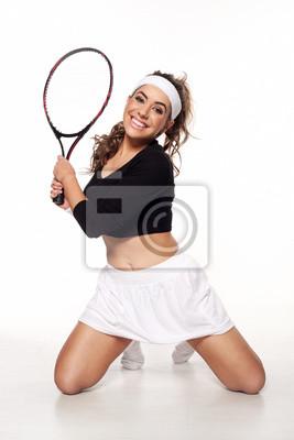 Постер Спорт Веселой, счастливой молодой женщины готовы играть в теннис, 20x30 см, на бумагеБольшой теннис<br>Постер на холсте или бумаге. Любого нужного вам размера. В раме или без. Подвес в комплекте. Трехслойная надежная упаковка. Доставим в любую точку России. Вам осталось только повесить картину на стену!<br>