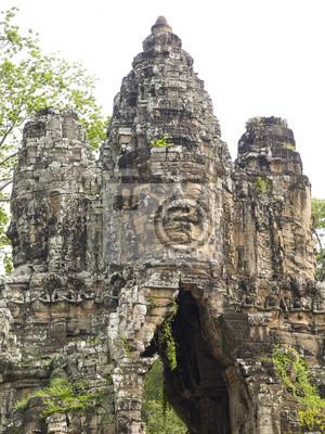 Постер Камбоджа Южных Ворот Ангкор Тхом, КамбоджаКамбоджа<br>Постер на холсте или бумаге. Любого нужного вам размера. В раме или без. Подвес в комплекте. Трехслойная надежная упаковка. Доставим в любую точку России. Вам осталось только повесить картину на стену!<br>