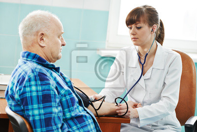 Медсестра в Кровяное давление медик тест, 30x20 см, на бумагеМедицина<br>Постер на холсте или бумаге. Любого нужного вам размера. В раме или без. Подвес в комплекте. Трехслойная надежная упаковка. Доставим в любую точку России. Вам осталось только повесить картину на стену!<br>