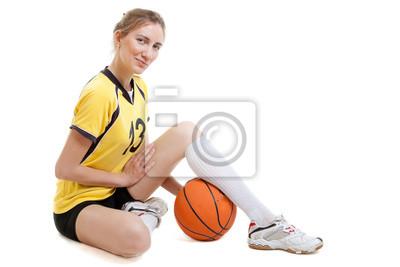Постер Баскетбол Молодая женщина баскетболист с мячомБаскетбол<br>Постер на холсте или бумаге. Любого нужного вам размера. В раме или без. Подвес в комплекте. Трехслойная надежная упаковка. Доставим в любую точку России. Вам осталось только повесить картину на стену!<br>