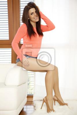 Постер Деятельность Молодая стройная сексуальная женщина в оранжевом свитере против окна, 20x30 см, на бумагеГламур<br>Постер на холсте или бумаге. Любого нужного вам размера. В раме или без. Подвес в комплекте. Трехслойная надежная упаковка. Доставим в любую точку России. Вам осталось только повесить картину на стену!<br>