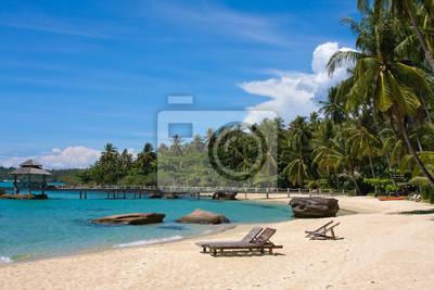 Постер Таиланд Tropical beach, ТаиландТаиланд<br>Постер на холсте или бумаге. Любого нужного вам размера. В раме или без. Подвес в комплекте. Трехслойная надежная упаковка. Доставим в любую точку России. Вам осталось только повесить картину на стену!<br>