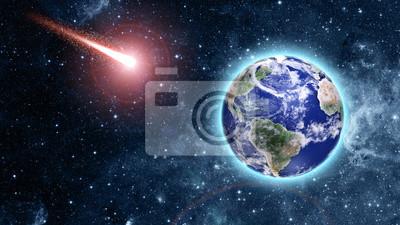 Постер Космос - разные постеры Комета прихода к голубая Планета в космосеКосмос - разные постеры<br>Постер на холсте или бумаге. Любого нужного вам размера. В раме или без. Подвес в комплекте. Трехслойная надежная упаковка. Доставим в любую точку России. Вам осталось только повесить картину на стену!<br>