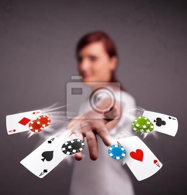 Молодая женщина, играя в покер, карты и фишки, 20x21 см, на бумагеКазино<br>Постер на холсте или бумаге. Любого нужного вам размера. В раме или без. Подвес в комплекте. Трехслойная надежная упаковка. Доставим в любую точку России. Вам осталось только повесить картину на стену!<br>