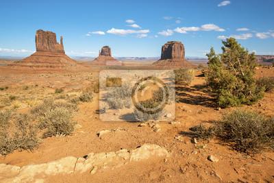Постер Пейзаж песчаный Знаменитый ландшафт Долины МонументовПейзаж песчаный<br>Постер на холсте или бумаге. Любого нужного вам размера. В раме или без. Подвес в комплекте. Трехслойная надежная упаковка. Доставим в любую точку России. Вам осталось только повесить картину на стену!<br>