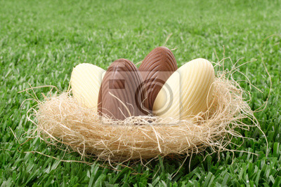 B&amp;W пасхальные яйца в гнезде, 30x20 см, на бумаге05.05 Пасха<br>Постер на холсте или бумаге. Любого нужного вам размера. В раме или без. Подвес в комплекте. Трехслойная надежная упаковка. Доставим в любую точку России. Вам осталось только повесить картину на стену!<br>