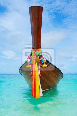 Постер Таиланд Лонгтейл лодке на море, тропический пляжТаиланд<br>Постер на холсте или бумаге. Любого нужного вам размера. В раме или без. Подвес в комплекте. Трехслойная надежная упаковка. Доставим в любую точку России. Вам осталось только повесить картину на стену!<br>