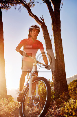 Постер Велосипедисты Постер 50752177, 20x30 см, на бумагеВелосипедисты<br>Постер на холсте или бумаге. Любого нужного вам размера. В раме или без. Подвес в комплекте. Трехслойная надежная упаковка. Доставим в любую точку России. Вам осталось только повесить картину на стену!<br>