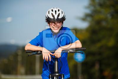 Мальчик на велосипеде, 30x20 см, на бумагеВелосипедисты<br>Постер на холсте или бумаге. Любого нужного вам размера. В раме или без. Подвес в комплекте. Трехслойная надежная упаковка. Доставим в любую точку России. Вам осталось только повесить картину на стену!<br>