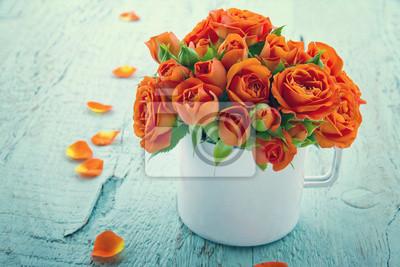Постер Розы Винтаж отредактировано оранжевые розы в белой чашкиРозы<br>Постер на холсте или бумаге. Любого нужного вам размера. В раме или без. Подвес в комплекте. Трехслойная надежная упаковка. Доставим в любую точку России. Вам осталось только повесить картину на стену!<br>