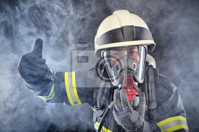 Постер Праздники Firewoman в пожарной охране костюм, 30x20 см, на бумаге04.28 Всемирный день охраны труда<br>Постер на холсте или бумаге. Любого нужного вам размера. В раме или без. Подвес в комплекте. Трехслойная надежная упаковка. Доставим в любую точку России. Вам осталось только повесить картину на стену!<br>