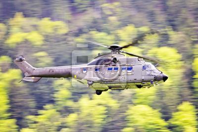 Постер-картина Вертолеты Hubschrauber им VorbeiflugВертолеты<br>Постер на холсте или бумаге. Любого нужного вам размера. В раме или без. Подвес в комплекте. Трехслойная надежная упаковка. Доставим в любую точку России. Вам осталось только повесить картину на стену!<br>