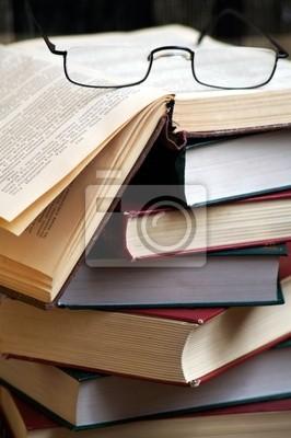 Книги с застекленной сверху, 20x30 см, на бумаге05.24 День славянской письменности и культуры<br>Постер на холсте или бумаге. Любого нужного вам размера. В раме или без. Подвес в комплекте. Трехслойная надежная упаковка. Доставим в любую точку России. Вам осталось только повесить картину на стену!<br>