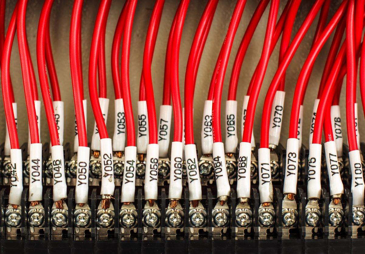 Постер Производство электронных компонентов и кабеля Электропроводка -- панель управления с проводамиПроизводство электронных компонентов и кабеля<br>Постер на холсте или бумаге. Любого нужного вам размера. В раме или без. Подвес в комплекте. Трехслойная надежная упаковка. Доставим в любую точку России. Вам осталось только повесить картину на стену!<br>