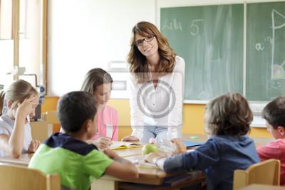Учителя и ученика в урок, 30x20 см, на бумаге10.05 День учителя России<br>Постер на холсте или бумаге. Любого нужного вам размера. В раме или без. Подвес в комплекте. Трехслойная надежная упаковка. Доставим в любую точку России. Вам осталось только повесить картину на стену!<br>