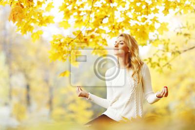 Медитации женщина в осеннем парке, 30x20 см, на бумагеМедитация<br>Постер на холсте или бумаге. Любого нужного вам размера. В раме или без. Подвес в комплекте. Трехслойная надежная упаковка. Доставим в любую точку России. Вам осталось только повесить картину на стену!<br>