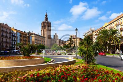 Пласа-де-ла-Рейна и башня Микалет в Валенсии, Испания, 30x20 см, на бумагеВаленсия<br>Постер на холсте или бумаге. Любого нужного вам размера. В раме или без. Подвес в комплекте. Трехслойная надежная упаковка. Доставим в любую точку России. Вам осталось только повесить картину на стену!<br>