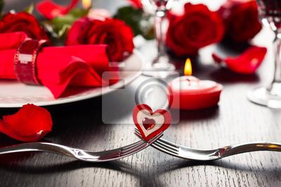Постер Праздники Место установки на день Святого Валентина, 30x20 см, на бумаге02.14 День Святого Валентина (День всех влюбленных)<br>Постер на холсте или бумаге. Любого нужного вам размера. В раме или без. Подвес в комплекте. Трехслойная надежная упаковка. Доставим в любую точку России. Вам осталось только повесить картину на стену!<br>