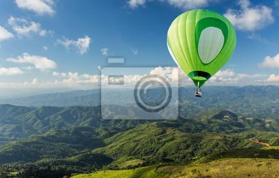 Постер-картина Фото-постеры Воздушный шар над горой, 31x20 см, на бумагеВоздушные шары<br>Постер на холсте или бумаге. Любого нужного вам размера. В раме или без. Подвес в комплекте. Трехслойная надежная упаковка. Доставим в любую точку России. Вам осталось только повесить картину на стену!<br>