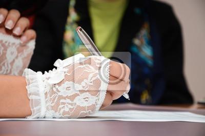 Постер Праздники Женщина подписывает документ, 30x20 см, на бумаге12.12 День работников органов ЗАГС<br>Постер на холсте или бумаге. Любого нужного вам размера. В раме или без. Подвес в комплекте. Трехслойная надежная упаковка. Доставим в любую точку России. Вам осталось только повесить картину на стену!<br>