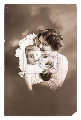 Постер Античный портрет счастливых мамы с ее милый ребенокДети<br>Постер на холсте или бумаге. Любого нужного вам размера. В раме или без. Подвес в комплекте. Трехслойная надежная упаковка. Доставим в любую точку России. Вам осталось только повесить картину на стену!<br>