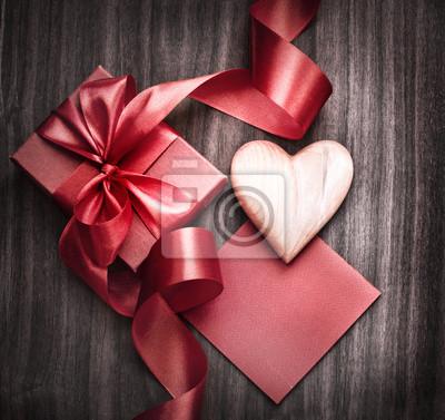 Постер Праздники День Святого Валентина фона, 21x20 см, на бумаге02.14 День Святого Валентина (День всех влюбленных)<br>Постер на холсте или бумаге. Любого нужного вам размера. В раме или без. Подвес в комплекте. Трехслойная надежная упаковка. Доставим в любую точку России. Вам осталось только повесить картину на стену!<br>