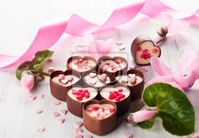 Шоколадные конфеты, 29x20 см, на бумаге02.14 День Святого Валентина (День всех влюбленных)<br>Постер на холсте или бумаге. Любого нужного вам размера. В раме или без. Подвес в комплекте. Трехслойная надежная упаковка. Доставим в любую точку России. Вам осталось только повесить картину на стену!<br>