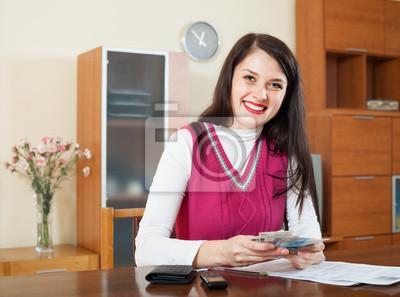 Постер 11.21 День бухгалтера Счастливая женщина с деньгами и документами11.21 День бухгалтера<br>Постер на холсте или бумаге. Любого нужного вам размера. В раме или без. Подвес в комплекте. Трехслойная надежная упаковка. Доставим в любую точку России. Вам осталось только повесить картину на стену!<br>