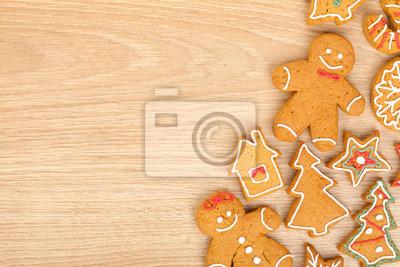 Постер Праздники Домашний различные рождественские пряники, 30x20 см, на бумаге01.07 Рождество Христово<br>Постер на холсте или бумаге. Любого нужного вам размера. В раме или без. Подвес в комплекте. Трехслойная надежная упаковка. Доставим в любую точку России. Вам осталось только повесить картину на стену!<br>