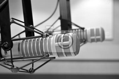 Постер 05.07 День радио Микрофон с большой мембраной.05.07 День радио<br>Постер на холсте или бумаге. Любого нужного вам размера. В раме или без. Подвес в комплекте. Трехслойная надежная упаковка. Доставим в любую точку России. Вам осталось только повесить картину на стену!<br>