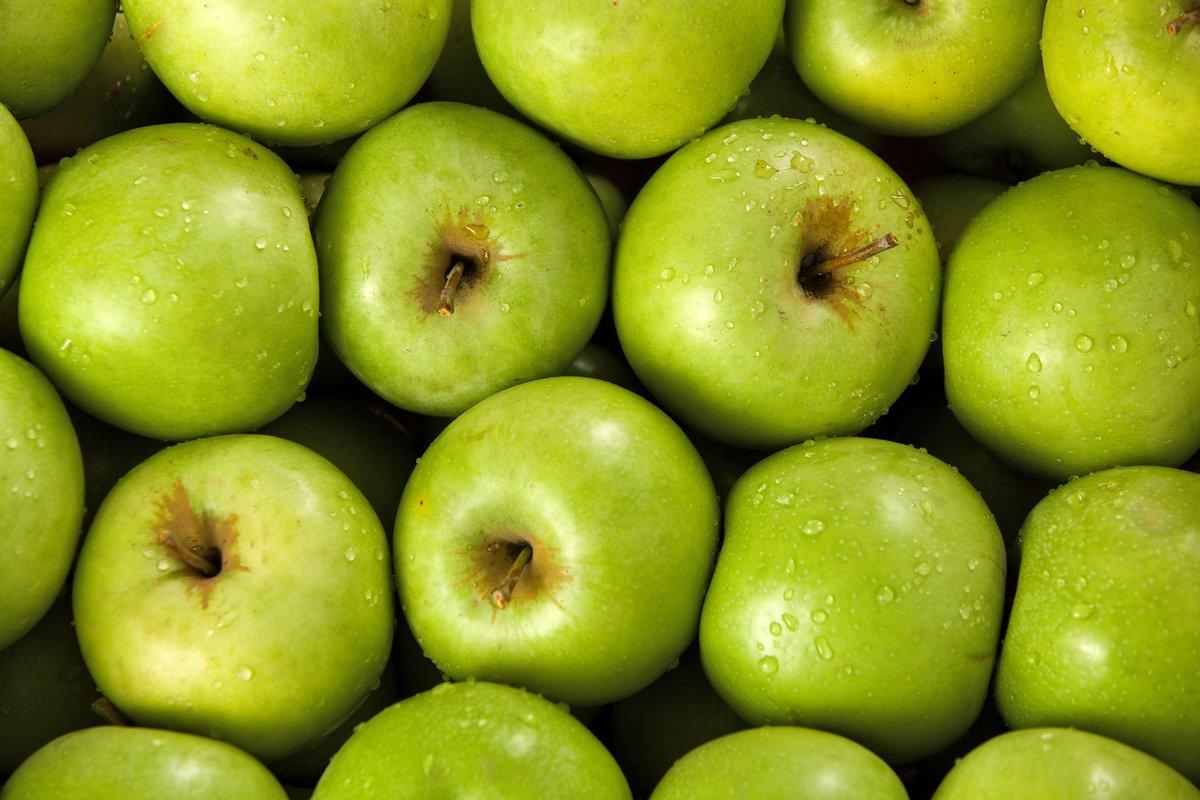 Органические зеленые яблоки, 30x20 см, на бумагеФрукты<br>Постер на холсте или бумаге. Любого нужного вам размера. В раме или без. Подвес в комплекте. Трехслойная надежная упаковка. Доставим в любую точку России. Вам осталось только повесить картину на стену!<br>