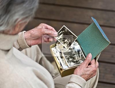 Постер Праздники Постер 63755867, 26x20 см, на бумаге10.01 Международный день пожилых людей<br>Постер на холсте или бумаге. Любого нужного вам размера. В раме или без. Подвес в комплекте. Трехслойная надежная упаковка. Доставим в любую точку России. Вам осталось только повесить картину на стену!<br>