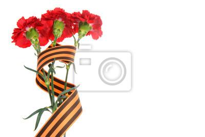 Постер 05.09 День Победы, 9 мая Три красные гвоздики, перевязанные Святого Георгия лентой, изолированные05.09 День Победы, 9 мая<br>Постер на холсте или бумаге. Любого нужного вам размера. В раме или без. Подвес в комплекте. Трехслойная надежная упаковка. Доставим в любую точку России. Вам осталось только повесить картину на стену!<br>
