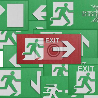 Постер Бумаги вырезать из run to exit label for emergency escape-знак frНадпись EXIT<br>Постер на холсте или бумаге. Любого нужного вам размера. В раме или без. Подвес в комплекте. Трехслойная надежная упаковка. Доставим в любую точку России. Вам осталось только повесить картину на стену!<br>