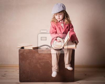 Постер 10.22 Праздник белых журавлей Маленького ребенка с книгой на чемодан крытый10.22 Праздник белых журавлей<br>Постер на холсте или бумаге. Любого нужного вам размера. В раме или без. Подвес в комплекте. Трехслойная надежная упаковка. Доставим в любую точку России. Вам осталось только повесить картину на стену!<br>