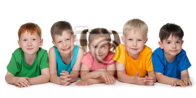 Группа из пяти веселых детей, 40x20 см, на бумаге06.01 Международный день защиты детей<br>Постер на холсте или бумаге. Любого нужного вам размера. В раме или без. Подвес в комплекте. Трехслойная надежная упаковка. Доставим в любую точку России. Вам осталось только повесить картину на стену!<br>